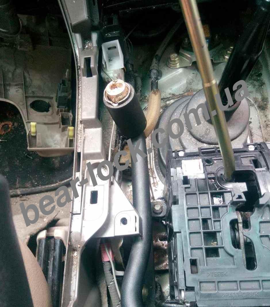 Останній форпост /Спроба викрадення авто TOYOTA LAND CRUISER/замок КПП Bear-Lock